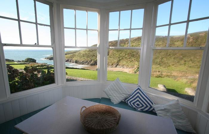 An image of 'Wavecrest East Side, New Polzeath'