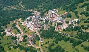 Vaujany village view summer.full
