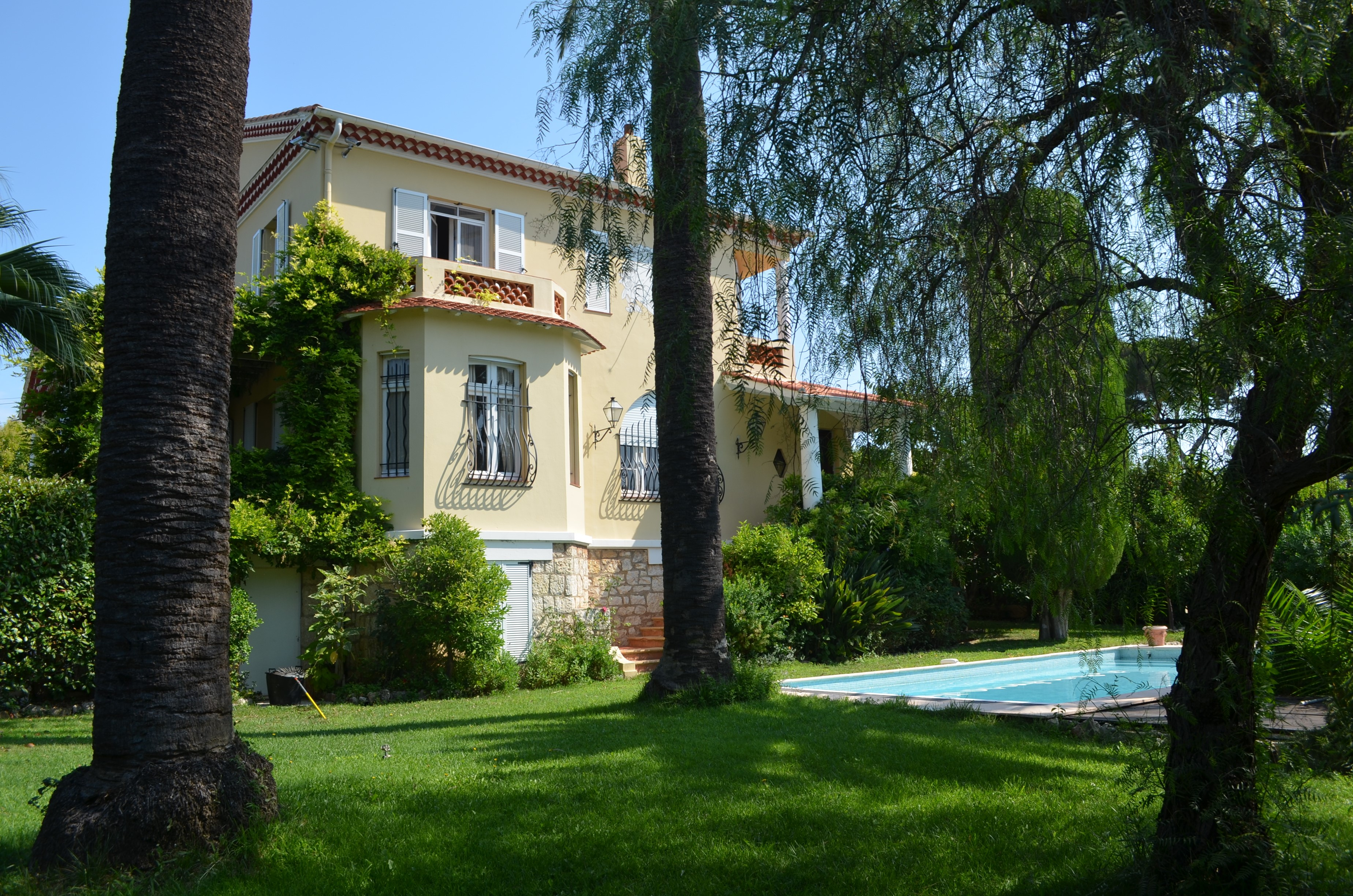 Cannes | Holiday Ideas | Villa les Roses
