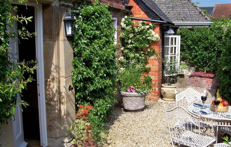 English Cottage in Steeple Ashton | Coachmans Cottage